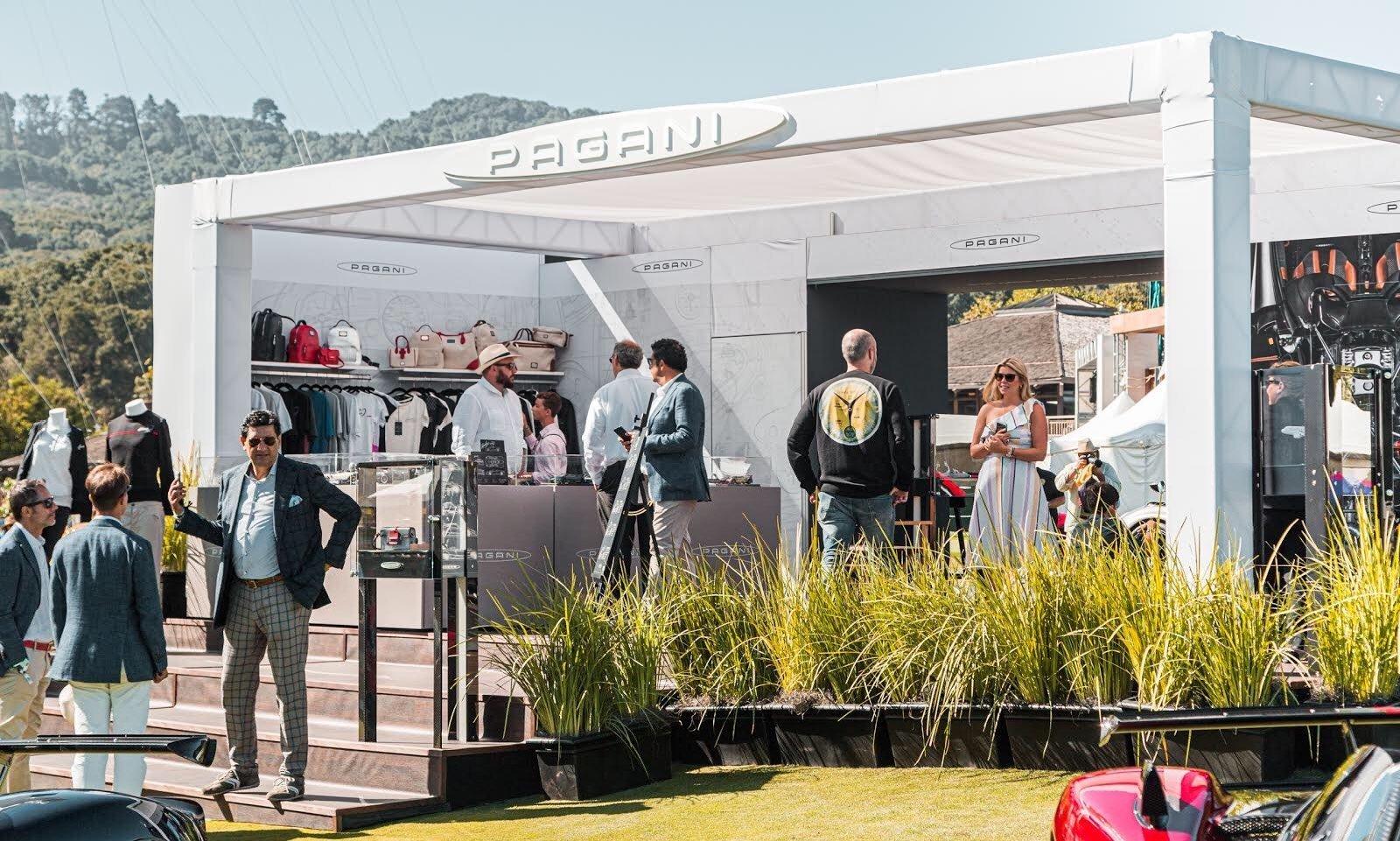 Pagani alla Monterey Car Week: La nuova Huayra Roadster BC e lo store dedicato all'abbigliamento